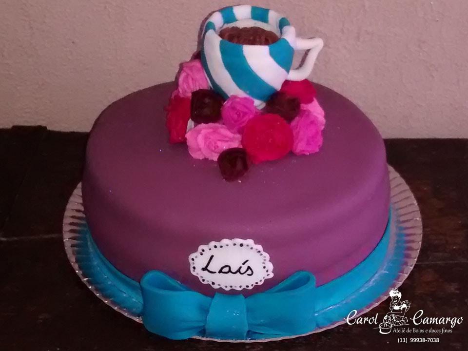 bolo-aniversario-laço-azul-xicara