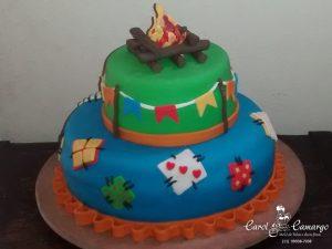 bolo-festa-junina-fogueira-dois-andares
